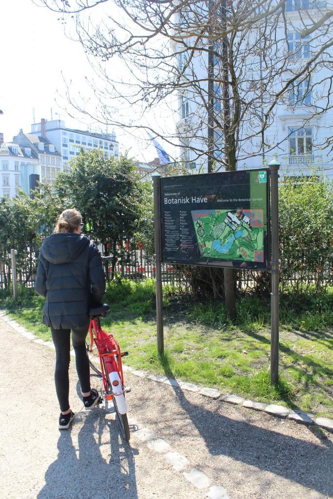 Entrance to Botanical Garden. Photo 28. april 2016 by Erik K Abrahamsen