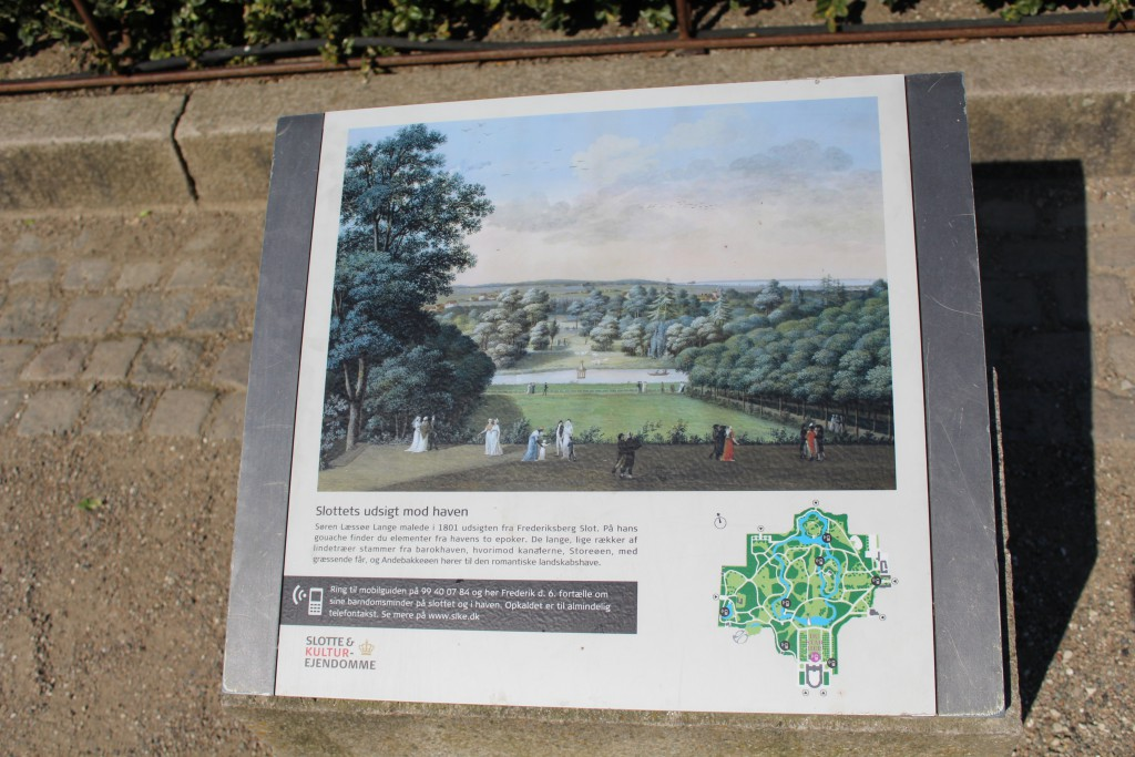 Plate in from of Frederiksberg Castle. Pho 2. may 2016 by Erik K Abrahamsen.