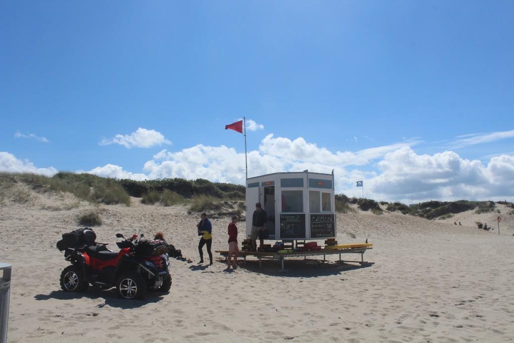 Den Nordsjællandske Kystlivredningstjeneste på Liseleje Strand. Foto den 7. july 2016 af Erik K Abrahamsen