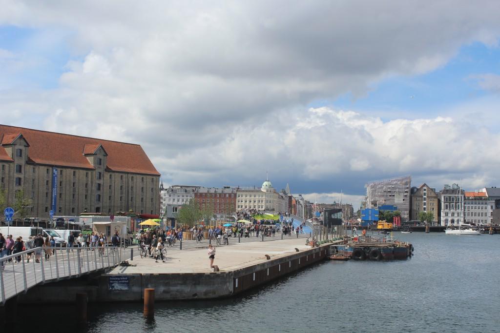 "view in direction north from Trangravsbroen to ne walk- and bike bridge ""Inderhavnsbroen"", Nyhavn and Copenhagen City. Photo 9. july 2016 by Erik K Abrahamsen."