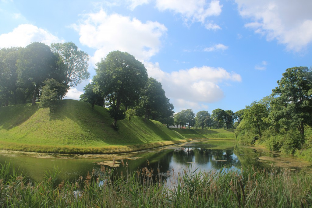 Fortress Kastellet with bastions, ramparts and moats. View to Prindsens Bastion at left and Kongens Bastion at right. Photo 20. july 2016 by Erik K Abrahamsen.
