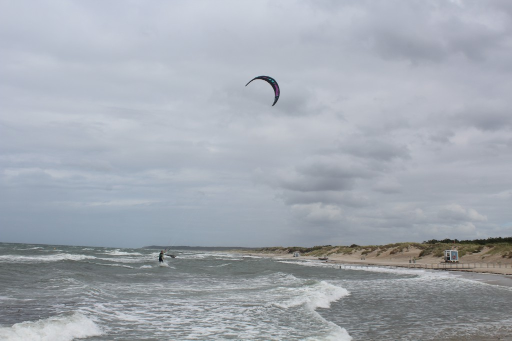 Liseleje Beach, North sealant. A kitesurfer from Holland on his way to a brak a