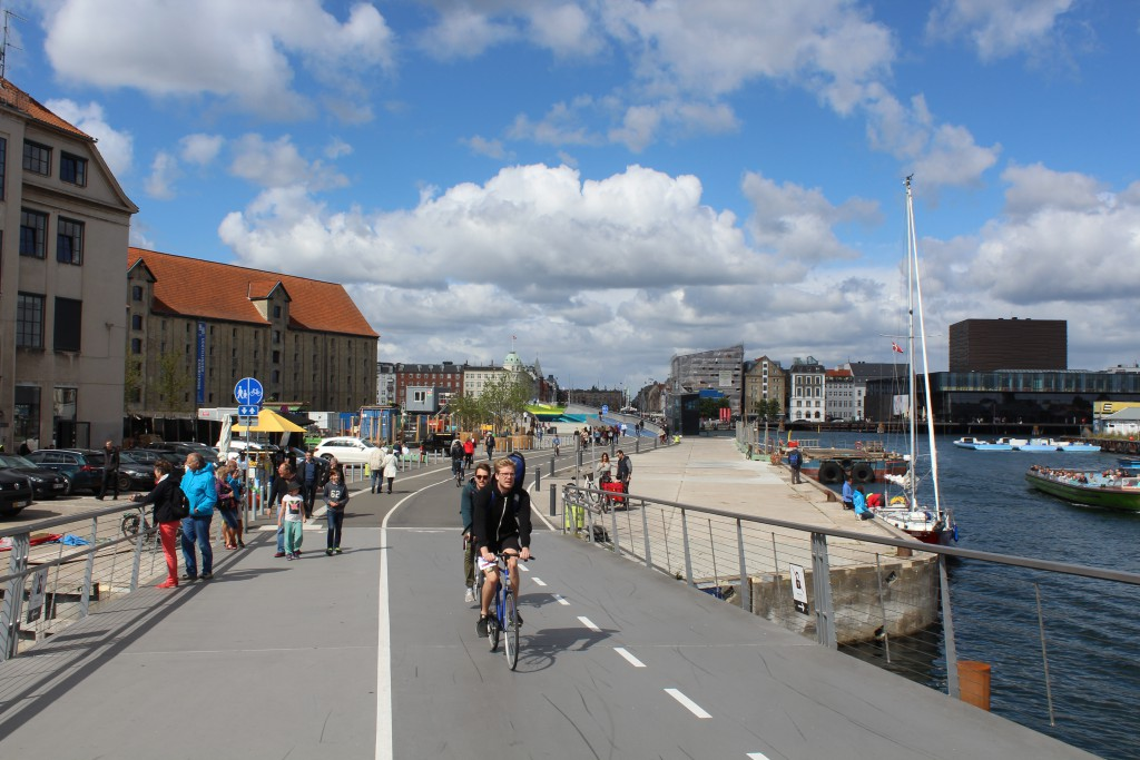 View from Trangravsbroen in direction north to Inderhavnsbroen and Nyhavn