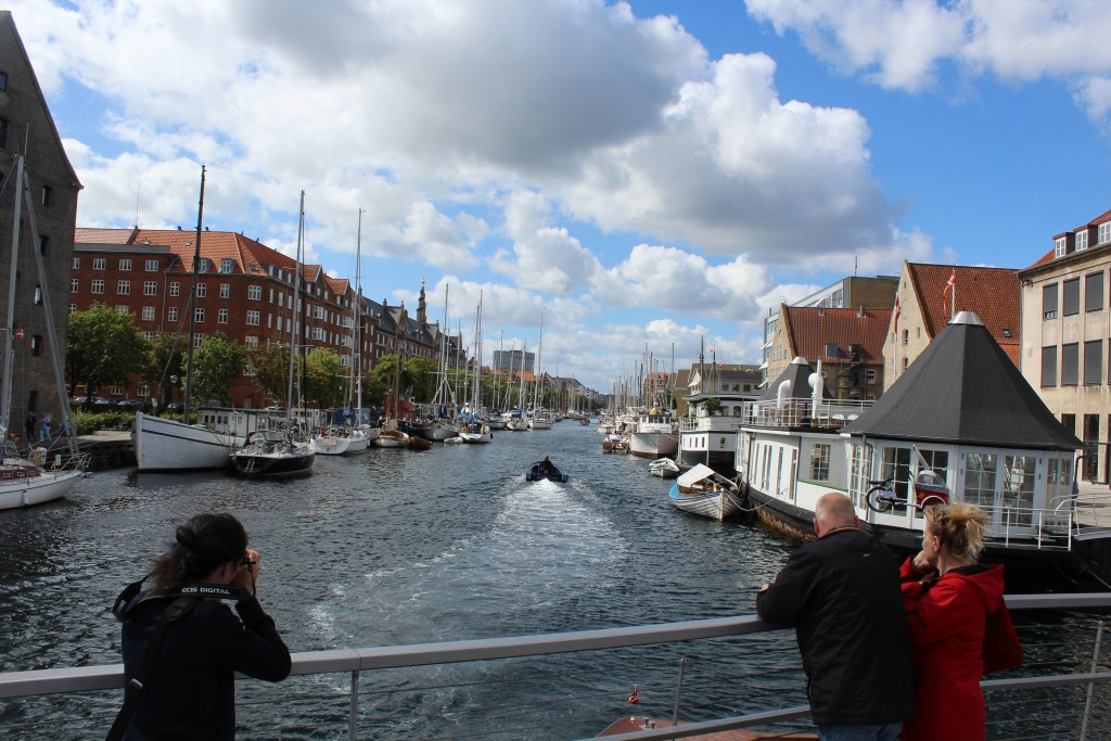 View from Trangravsbroen to Christianshavn canal. Phoot in direction west 10.