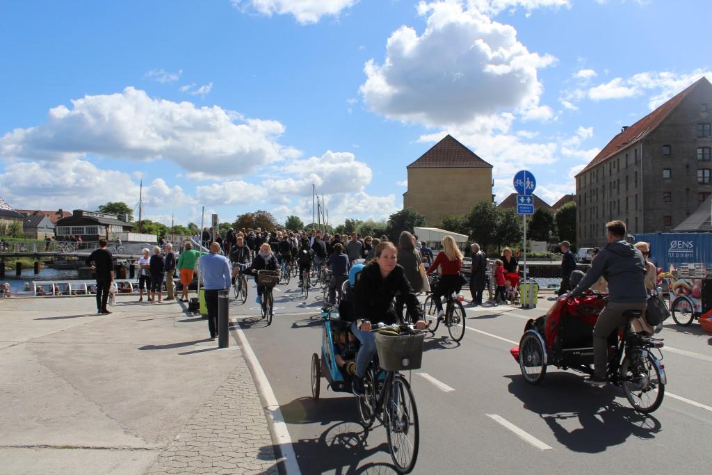 "New bike-, run and walk bridge ""Trangravsbroen"" on Christianshavn"