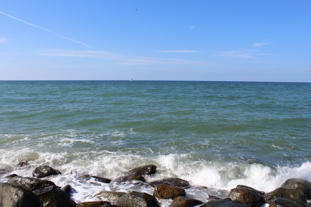 """Liseleje Beach. View in direction north to Kattegat Sea fro """"Pynten"""" and breakwater of big"""