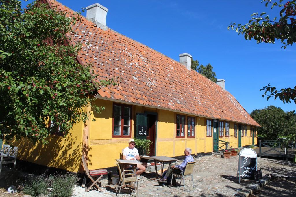 Oldermandsgaarden. View to the east main building built 1681. Phoot in directio