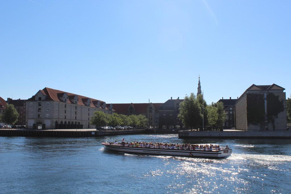 Asiatisk Place on Christianshavn. At left Eigtved Storehouse built 17