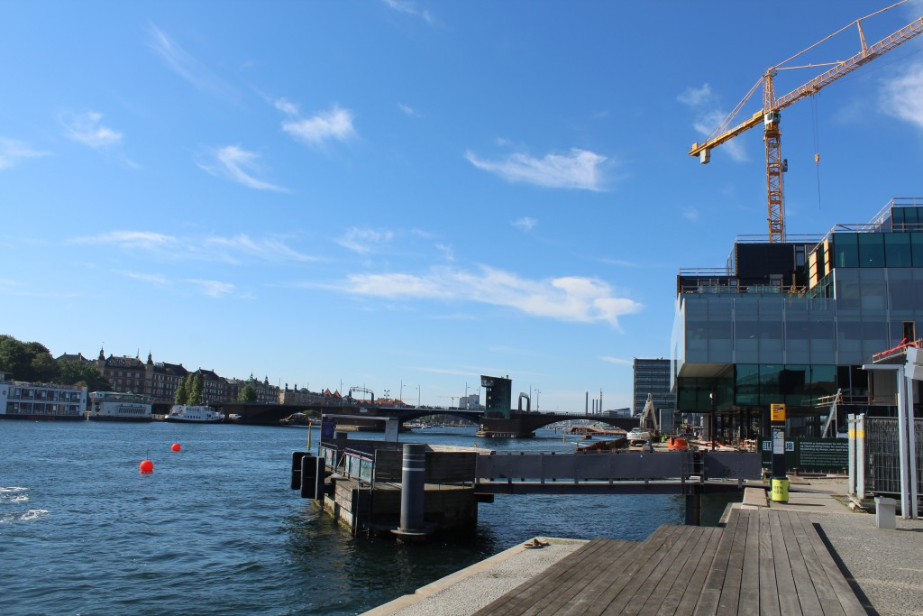 """Copenhagen Inner Harbour. View to bridge """"Langebro"""". at right new building built by REALDANIA on Christians Brygge. Photo in direction west 25. august 2016 by Erik K Abrahamsen."""