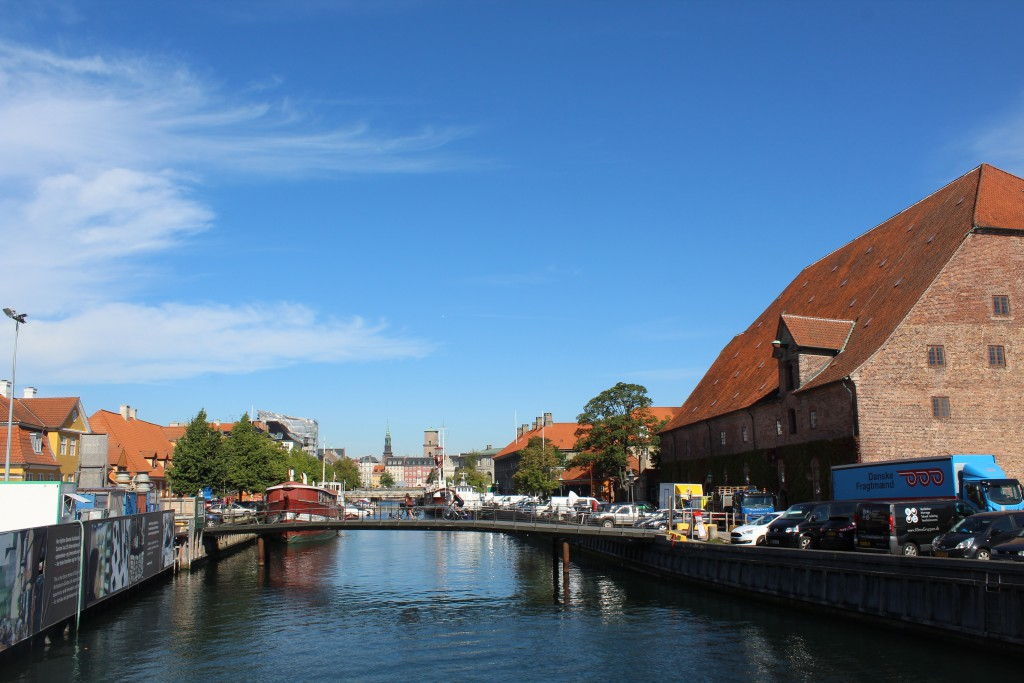 """View to Frederiksholm Canal from bridge """"Bryghusbroen"""". At right """"Kongens Bryghus2 built on foundations offieldwo"""