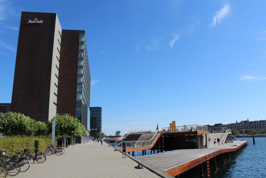 """View to """"Kalvebod Wave"""", Marriott Hotel and bridge Langebro at Copenhagen Inner Harbour. Phoot in direction east 25. august 2016 by erik K Abrahamsen."""