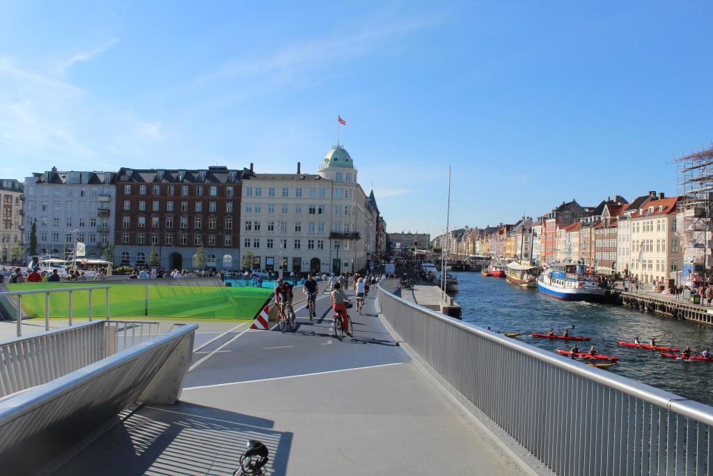 "View from ""Inderhavnsbroen"" to Hyhavn. Photo in direction north 25. august 2016 by Erik K Abrahamsen."