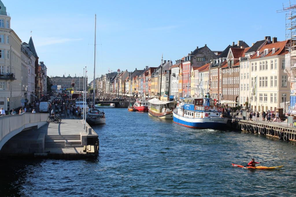 "View from ""Inderhavnsbroen"" to Nyhavn. Photo in direction north 25. august 2016 by Erik K Abrahamsen."