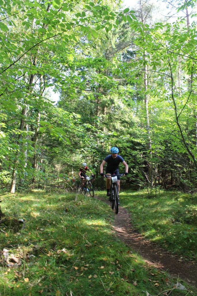 Hotcup 2016. Mountain Bike rytter på skovsti ved Skovkærsvej. Foto 20. sept. 2016 af erik K Abrahamsen.