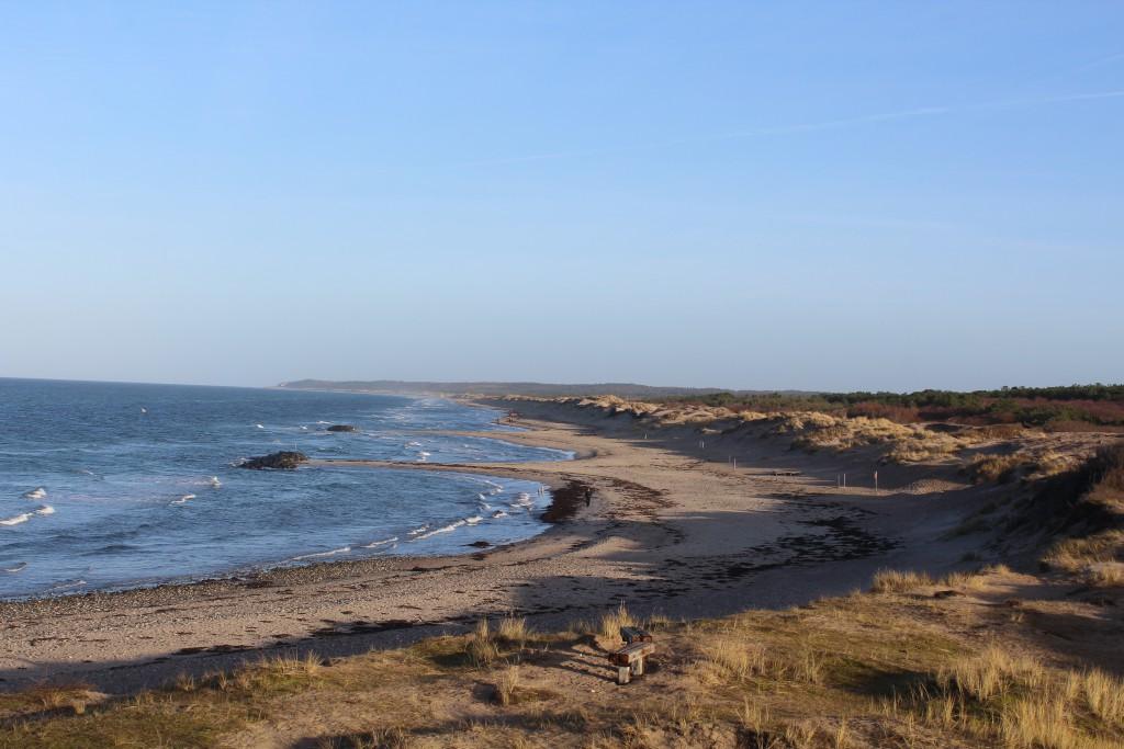 Liseleje Strand- udsigt mod øst mod Melby Overdrev, Asserbo Plantage, Tisvilde Hegn og Tisvildeleje helt ude i horisonten. Foto den 23. december 2016 af Erik K Abrahamsen