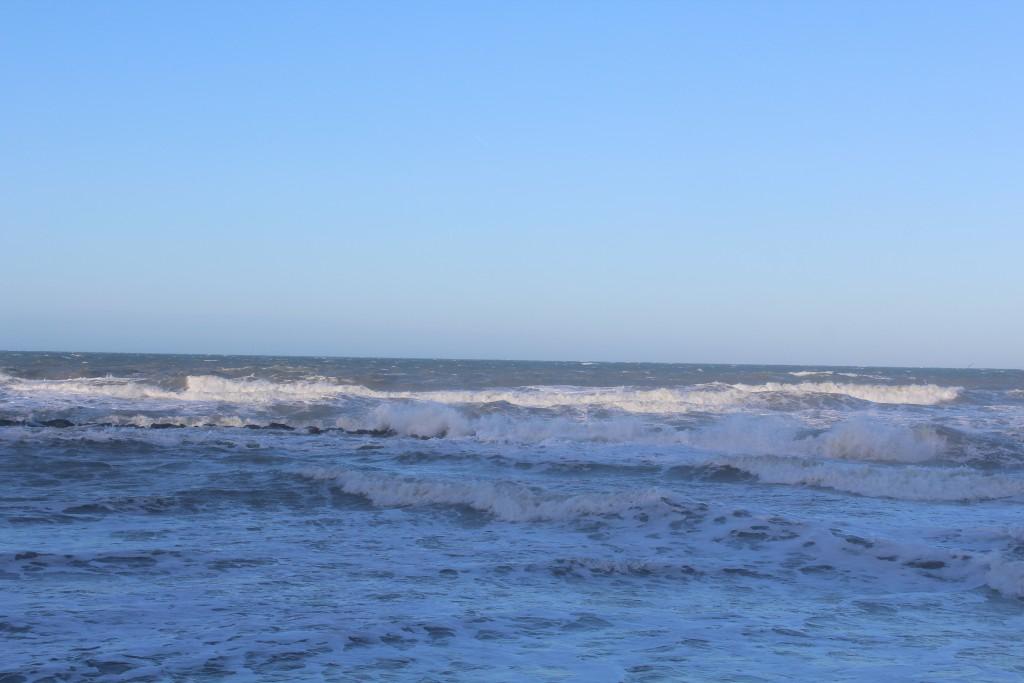 Hyllingebjerg Strand. Den 75 brede forsdtrand er overskyllet