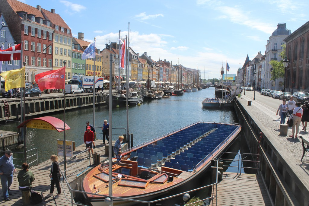 Nyhavn a 400 m canal connect Kings New Square with Copenhagen Inner Harbour. Phoot in direction south to Copenhagen Inner Harbour midday 6. june 2016 by Erik K Abrahamsen.