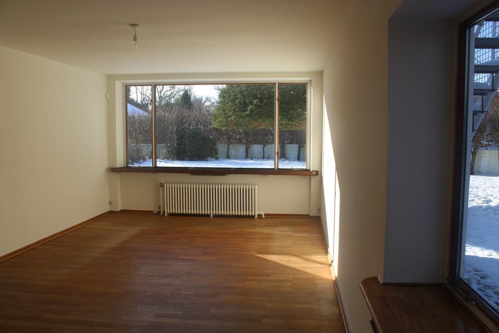 Sitting room in ground floor. Photo 11. febra