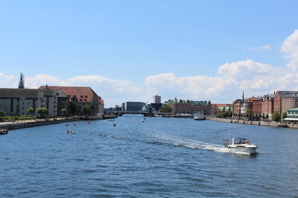 Udsigt fra ny Inderhansbro mod København Indre Havn. Foto mod vest den 17. juli 2017 af Erik K Abrahamsen.