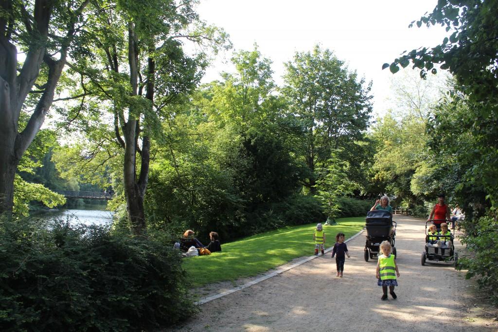 Ørstedparken. Kindergarten on walk, run and play.