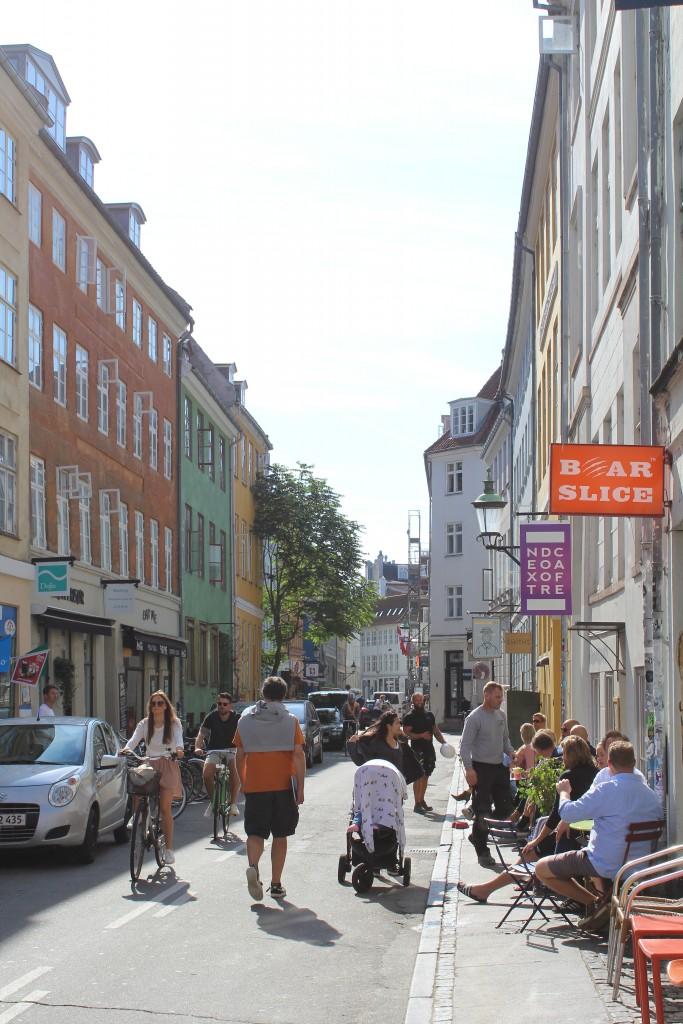 Larsbjørnsstræde in Latin Quarter. Photo in direction south 19. august 2017 by Erik K Abrahamsen.