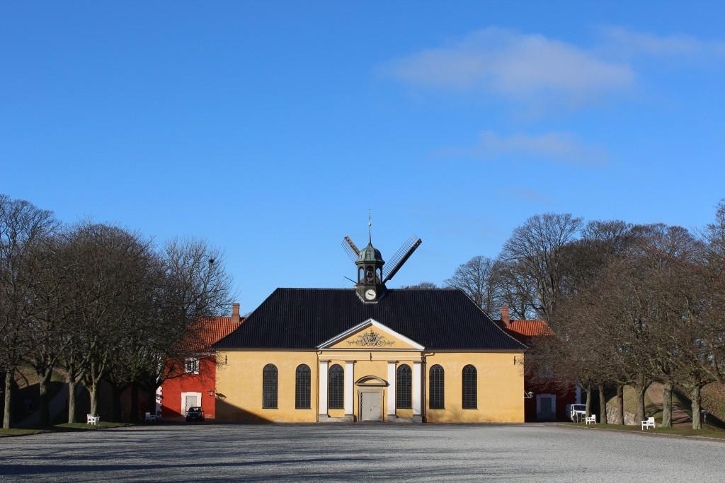 Fæstning Kastellet. Kastelskirken opført i 1703 me