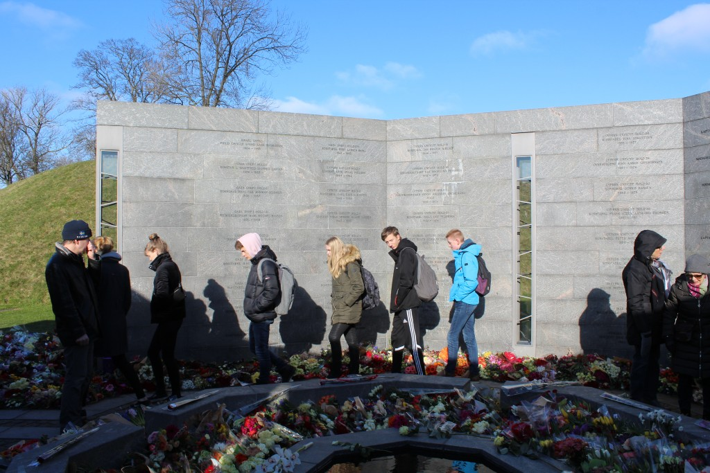 Monument Danmark International Missions since 1948. SPACE: A PERSON. Names of all danes who died. Photo 22. februar 2018 by Erik K Abrahamsen.