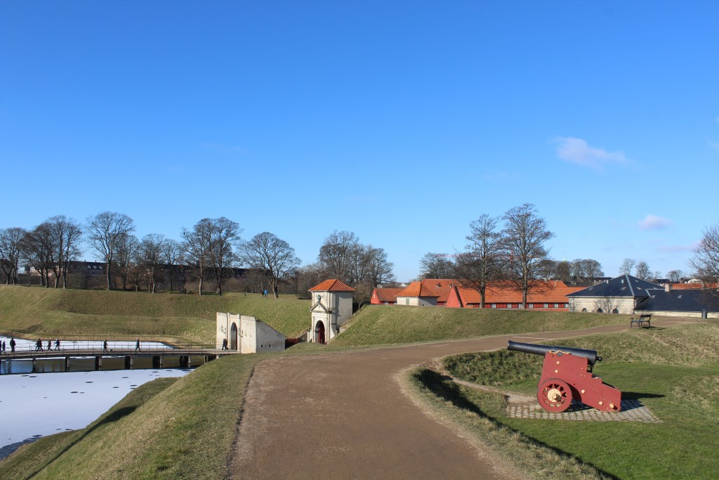 """View from Count Bastion to main entrance Kings Gate """"Kongeporten"""". Phoot 22. frebruary 2018 by Erik K Abrahamsen."""