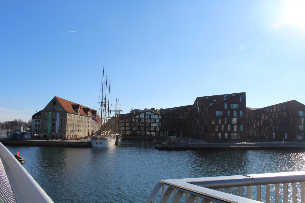 View from Inderhavnsbroen to Nordatlantens Brygge with GreenLand Trade store house built 1767 and new domestic houses on Krøyers Squate i Christianshavn. Phoot in direction south 22. february 2+18 by Erik K Abrahamsen.