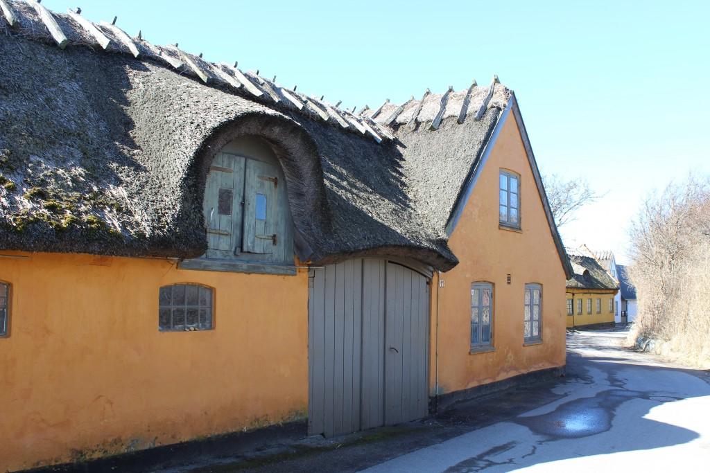 Gårde langs Vestre Stræde i Kikhavn. Foto den 20. marets 2018 af Erik K Abrahamsen.
