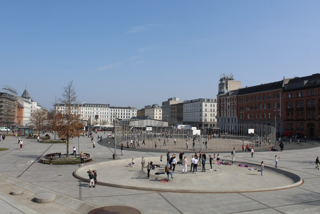 Israel Plads. View to two market pavilions in background. Photo 9. april 2018 by Erik K Abrahamsen.