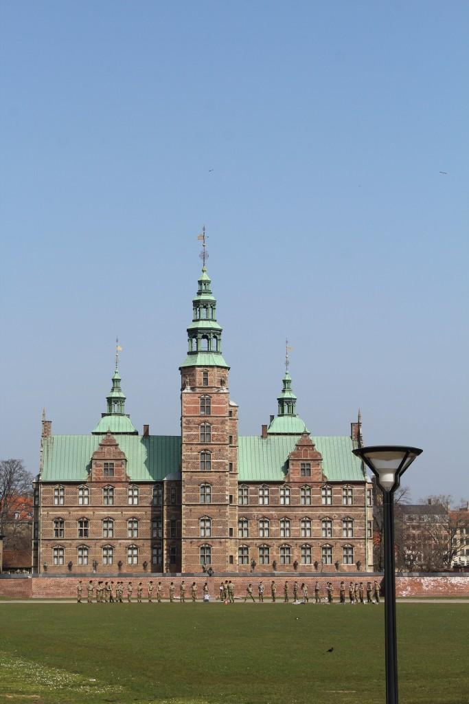 Rosenborg Kaserne - Livgardens Kaserne. Queens Life Guard barrack. Photo 9. april 2018 by Erik K Abrahamsen.