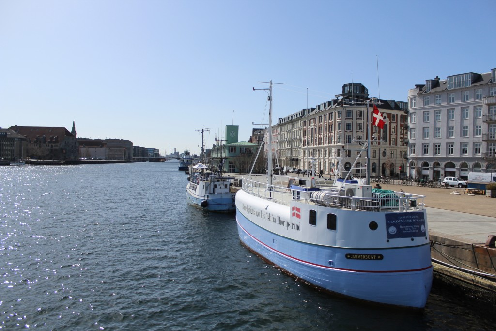 """View from new walk-and bike bridge """"Inderhavnsbroen"""" in direction east to Knippels bridge."""
