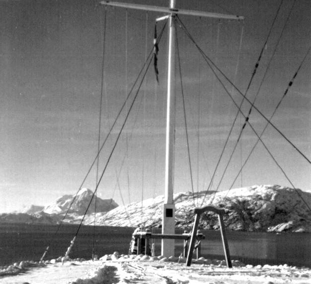 Udsigt mod Kugnait Fjeld, Flagpladsen og Arsuk Fjord.