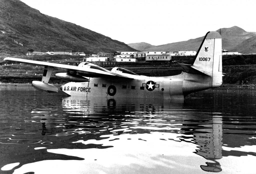 Us Air Froce Catalina fly på Arsuk Fjord ud for Flådestation grønnedal. Foto 1961.