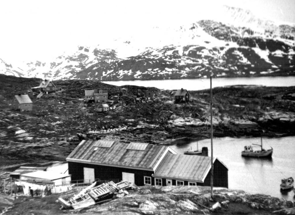 Udsigt fra Arsuk mod syd mor Arsuk Ø og Det Nordre Løb. Foto 1961.