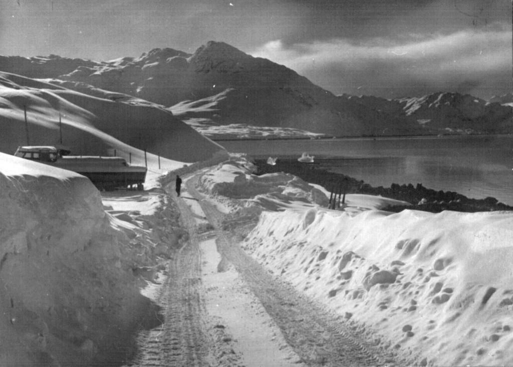 Udsigt mod Rpefjels, Arsuk Fjord og Ivigtut længst borte. Fot Melvin Erik Prdersen.