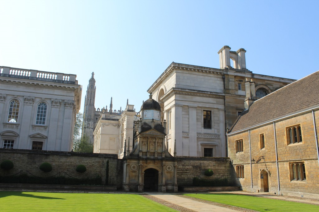Gonville and Caius College courtyrd. View to Senate House and King´s Chapel in backgriund. Photo 29. april 2018 by Erik k Abrahamsen,