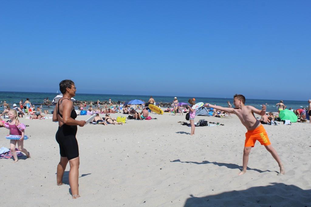 Play and fun on Liseleje beach. Photo sunday 3. june 2018 by erik K abrahamsen