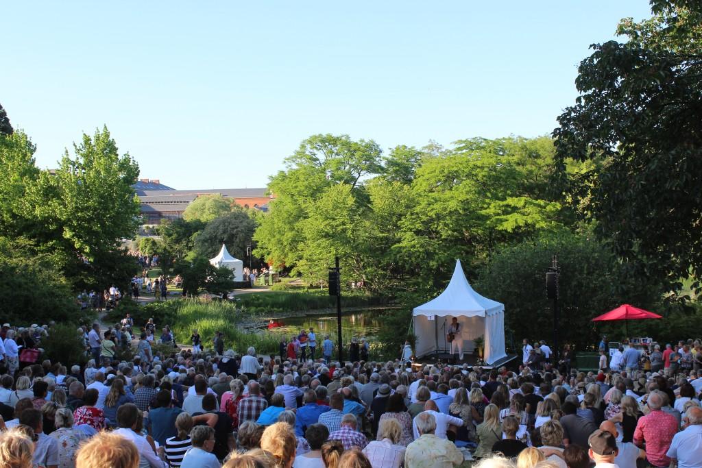 Botanisk Have. Koncert af sangeren Rasmus Nøhr på scene 1 kl 19. Foto den 5. juni 2018 af Erik K Abrahamsen.